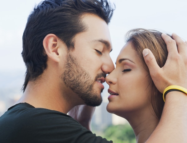 4 csókfajta, amelytől a pasik mindig elvesztik az eszüket