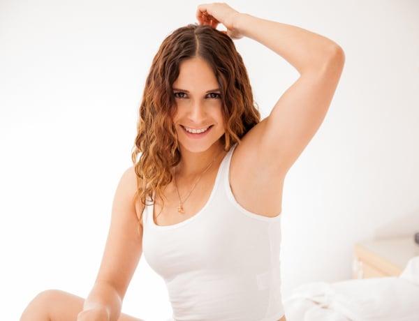 8 hatásos otthoni gyógymód a sötét hónalj ellen
