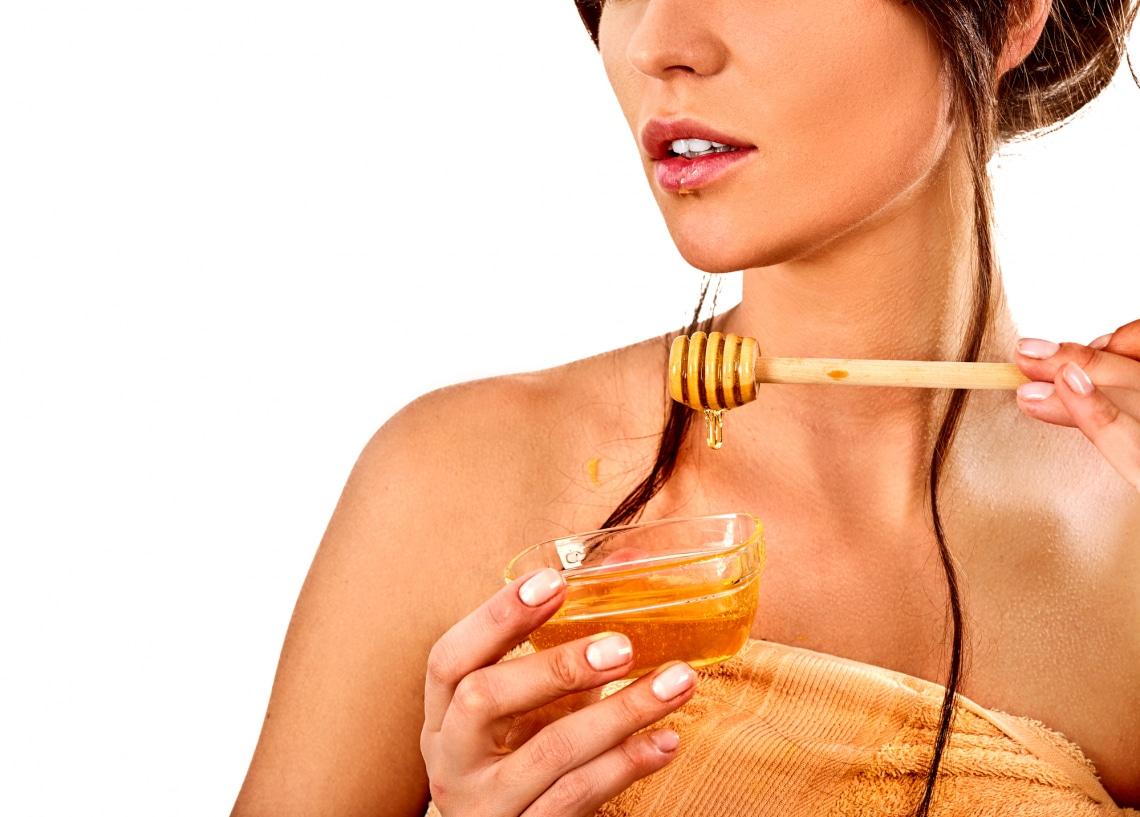 5 tápláló, mézes arcpakolás a ragyogó arcbőrért