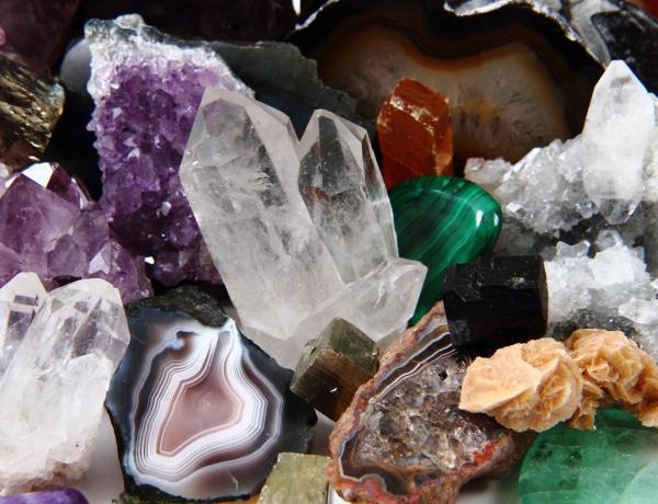 Válassz gyógyító követ a születési hónapod alapján. Melyik a tied?