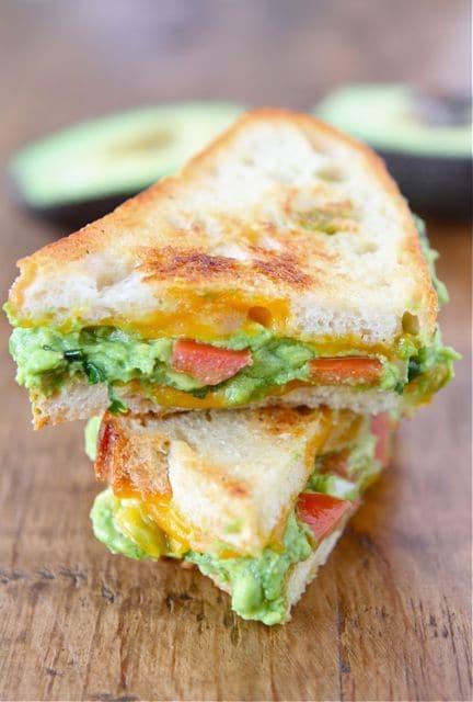 Szombat – Paleolit kenyérből melegszendvics