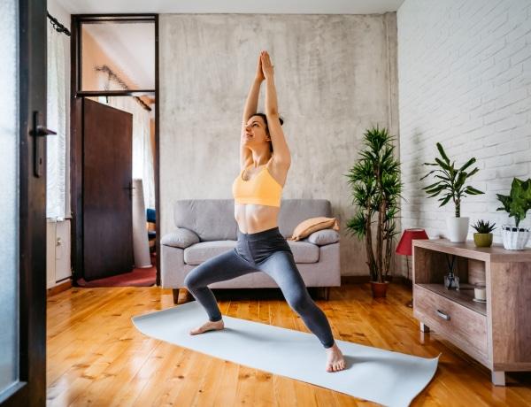 5 egyszerű testtartásjavító trükk, amivel vonzóbbá válsz