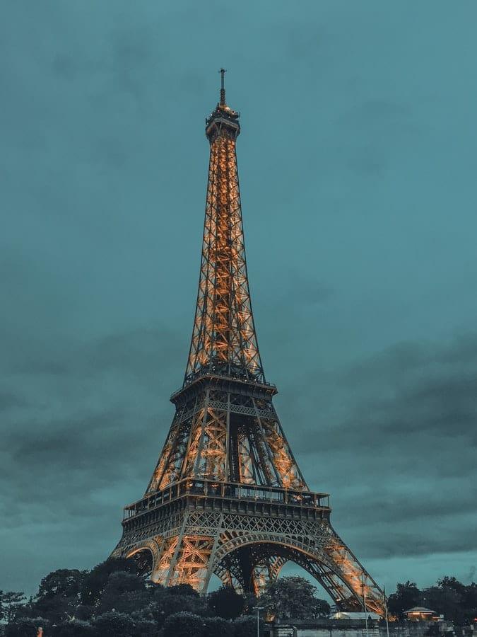 Szoba az Eiffel-toronyban