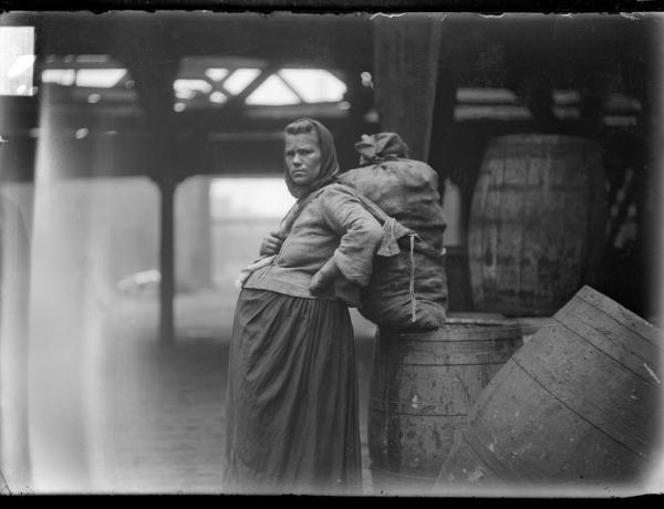 Kismama-divat a múltból: így öltöztek a várandósok régen