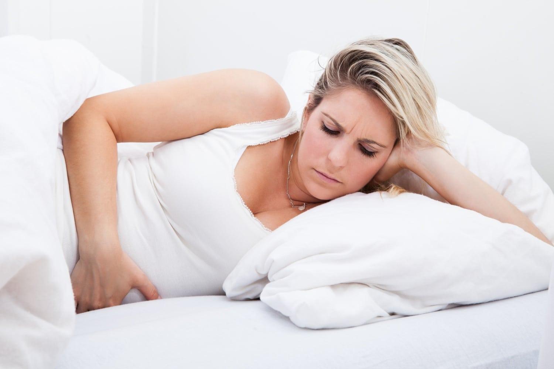 Éjszakai gyomorégés: így küzdheted le a kínt