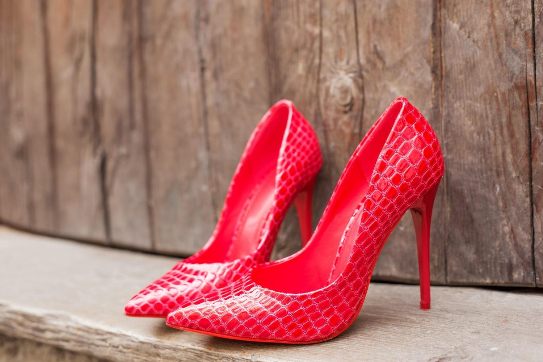 Életmentő trükkök:törd be az új cipőt vízhólyagok nélkül