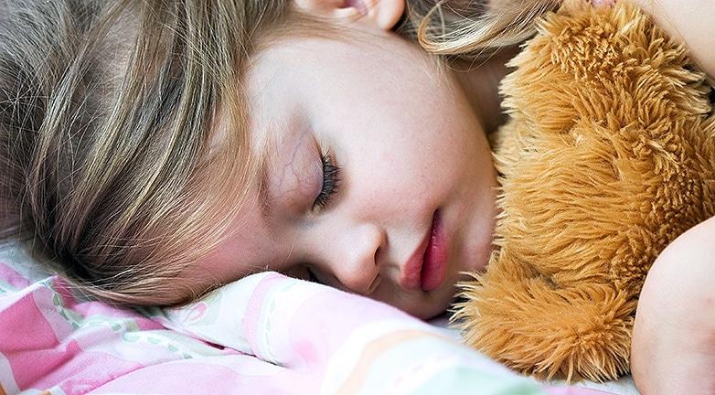 Így alszik jól a kisbabád – Ezek a pihentető alvás feltételei