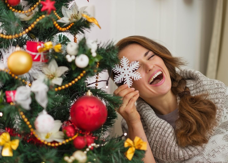 Így díszítsd fel a karácsonyfát – 6 ihletadó stílus minden otthonba
