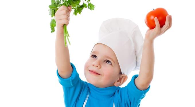 Így eszik több zöldséget és gyümölcsöt a gyermeked