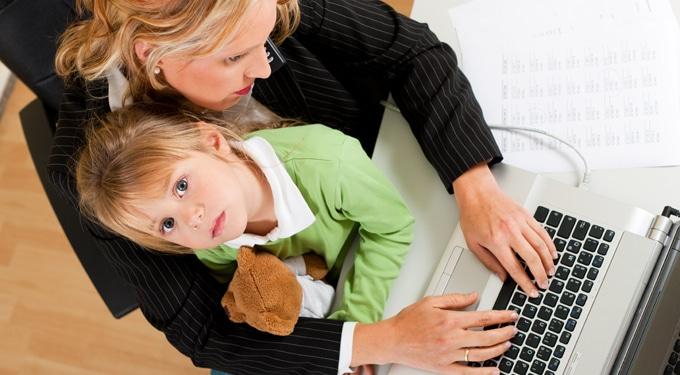Így győzheted le dolgozó anyaként a bűntudatot
