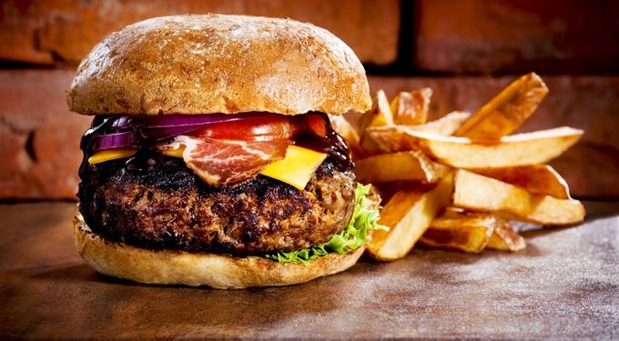 Így készíthetsz retró hamburgert és csirkeburgert otthon