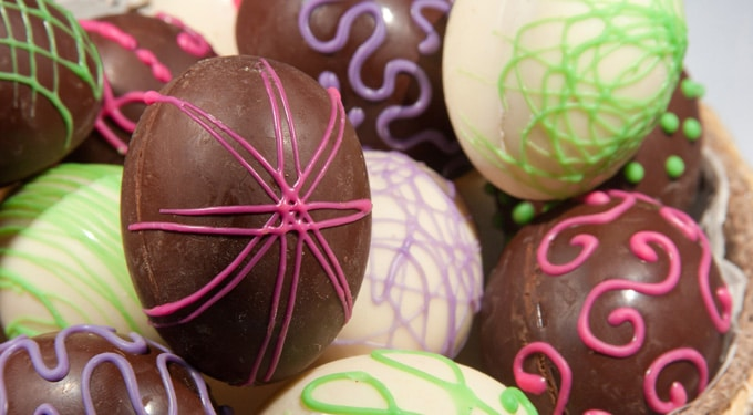 Így készíts húsvéti csokitojást házilag