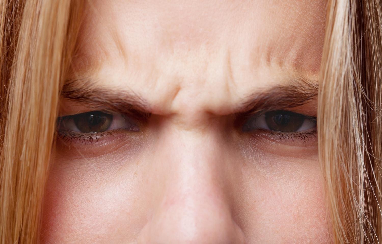 Így kezeld a passzív-agresszív embereket, mielőtt megfojtanak