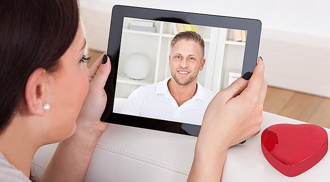 Így lesz népszerű az online randis profilod