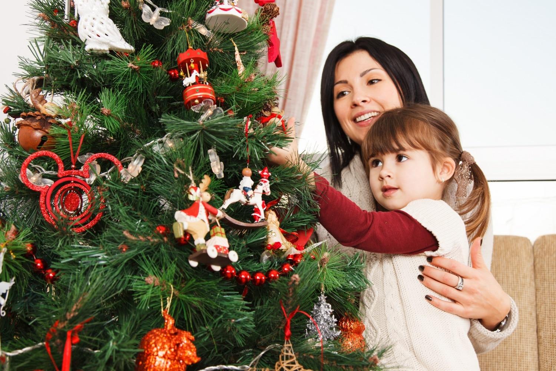 Így lesz sokáig csodás a karácsonyfa