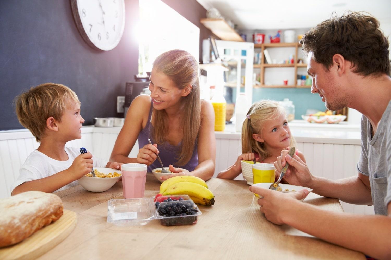 Így szoktasd hozzá a gyerekeket a reggelizéshez