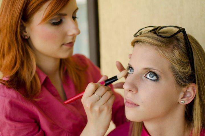 Így tüntetheted el az arcod bőrhibáit: melyik korrektor mire jó?