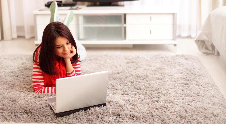 Így tisztítsd ki a hosszú szálú szőnyeged, házi szőnyegtisztító keverékekkel