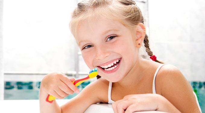 Mit tehetünk azért, hogy kisgyerekünk fogai jó állapotban maradjanak