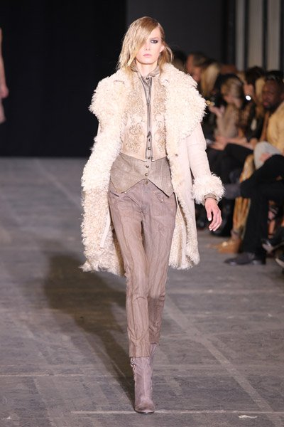 10 öltözködési tipp alacsony nők számára Bien.hu