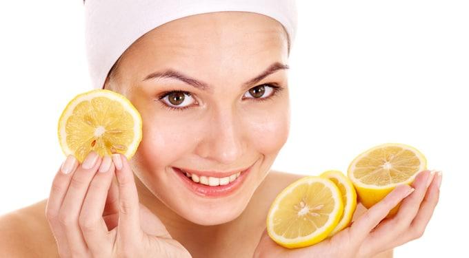 10 házi tipp, ha világosítani szeretnéd a bőrödet