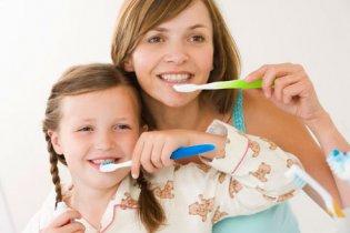 10 tipp az egészséges és fehér fogakért
