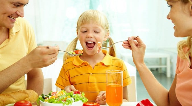 3 étel, ami árt a gyerekeknek