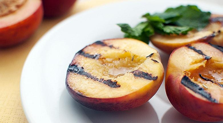 4 recept őszibarackkal, az élet gyümölcsével