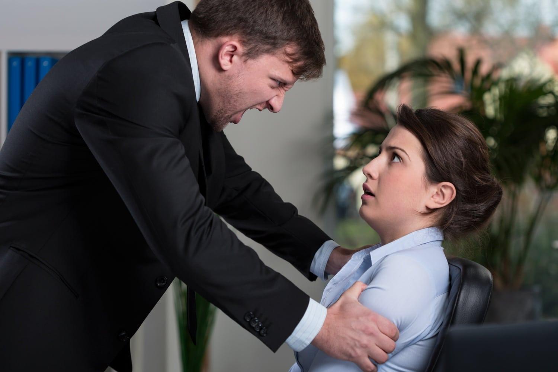 5 jel, hogy lelki bántalmazás áldozata vagy a munkahelyeden