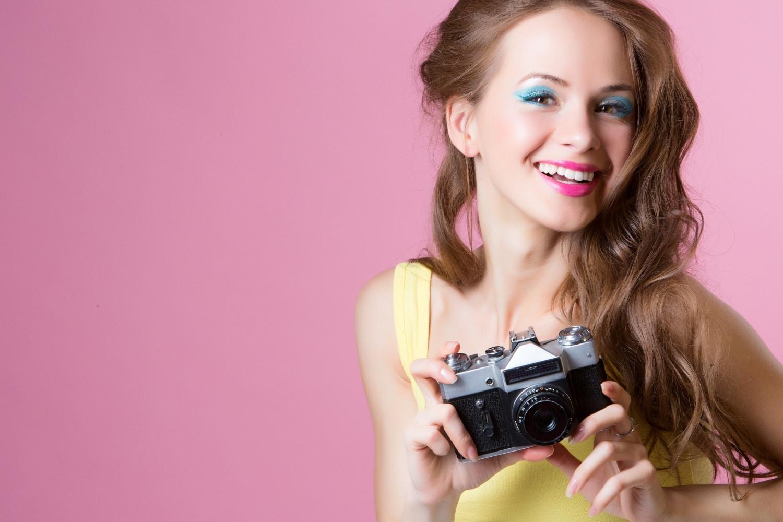5 szuper sminkes trükk, amitől jobban nézel ki a fotókon