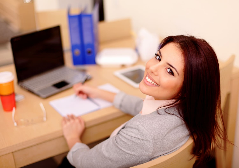 5 tipp, hogy a munkahelyedet is pozitív energia uralja