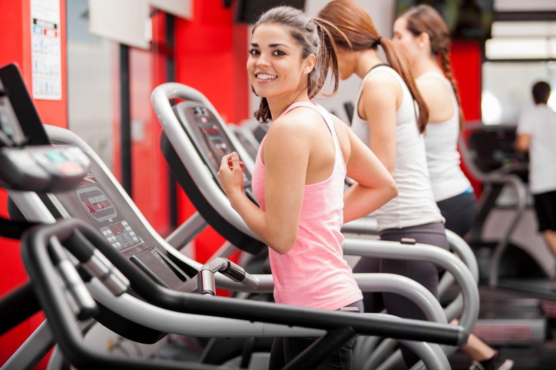 5 trükk, hogy a legtöbbet hozd ki a futópados edzésből