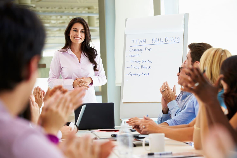 5 trükk, hogy mindenkit lenyűgözz a munkahelyeden