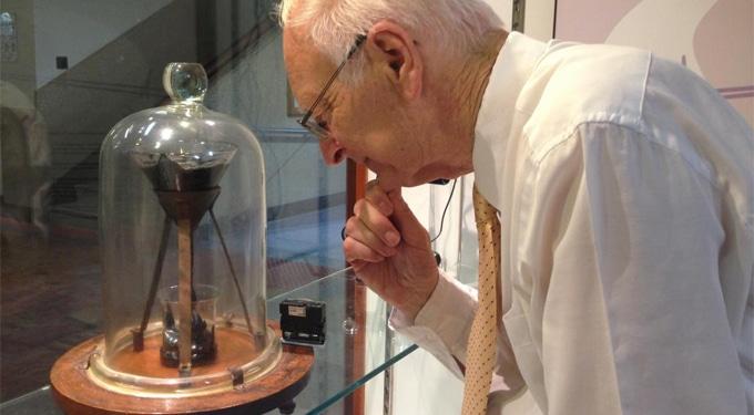 52 évig dolgozott rajta, meghalt, mielőtt láthatta volna az eredményt: a világ leglassúbb kísérlete