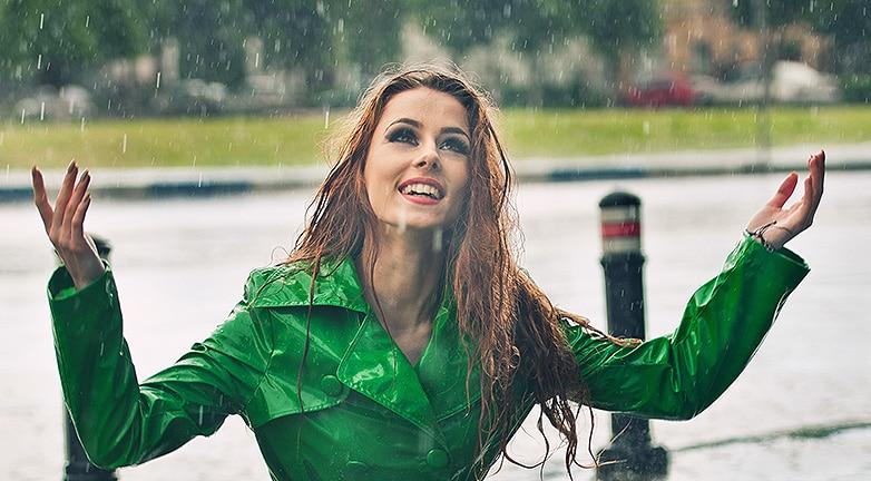 7 frizuramentő trükk esős napokra