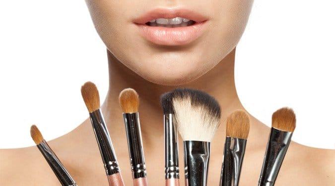 7 nélkülözhetetlen kozmetikum nyárra