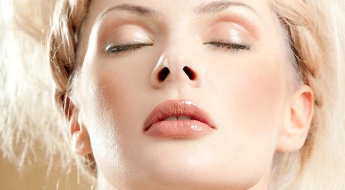 7 szépségtrükk, amivel eltüntetheted a megfázás nyomait