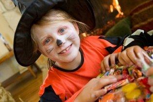 8 ötlet, hogy a Halloweeni buli egészségesen is teljen