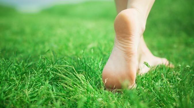 8 ok, amiért járj minél többet mezítláb