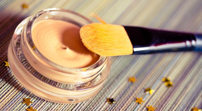 8 sminkes holmi, ami jót tesz a bőrödnek