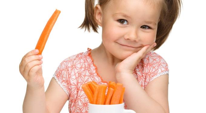 8 táplálkozási tipp, hogy a gyermeked elkerülje a tavaszi náthát!