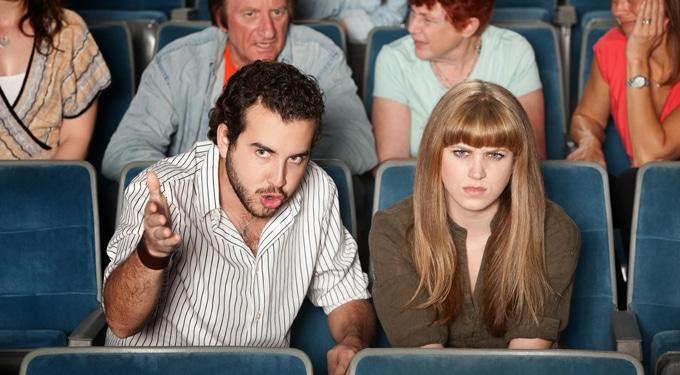 A 7 legidegesítőbb embertípus, aki minden moziban ott van