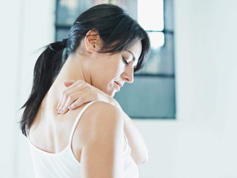 A hátfájás 5 leggyakoribb oka – és fájdalomcsillapító nélküli megoldása