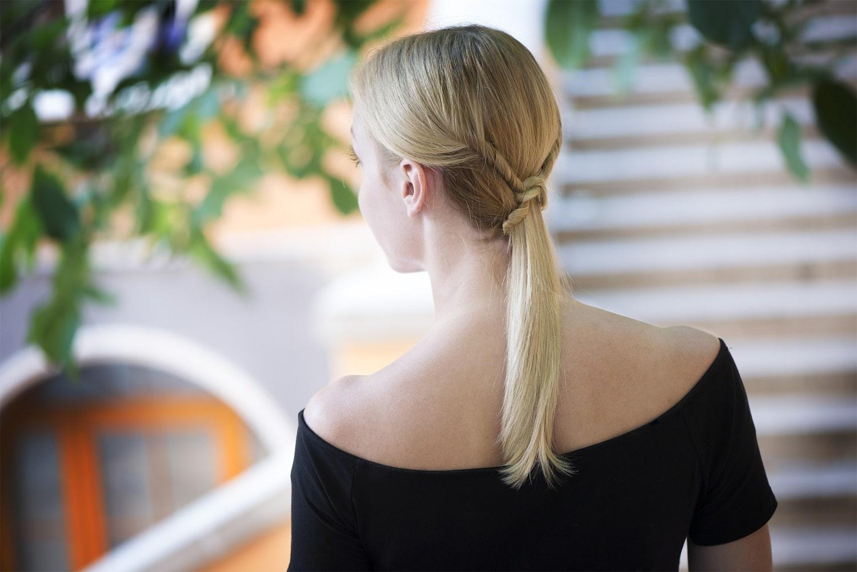 A legegyszerűbb ünnepi frizura, amit pár perc alatt elkészíthetsz