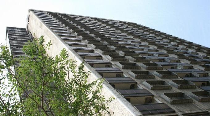 """A legmagasabb lakatlan épület – A híres pécsi ,,magasház"""""""