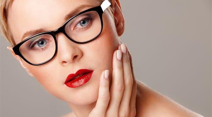 A legszuperebb sminktippek szemüvegeseknek