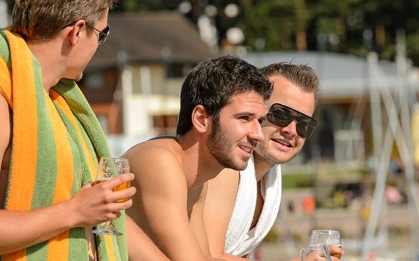 A múlt Adoniszai és társai – tipikus férfiak a strandon, női szemmel