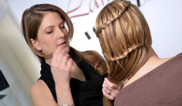 A nők elégedettsége arányos a hajuk hosszával
