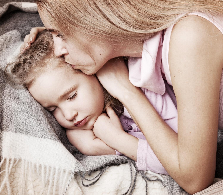 A pöttöm szervezete üzen a szülőknek – avagy a gyerekbetegségek lelki háttere