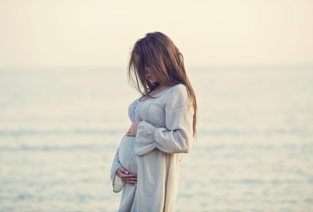 A szülés megindulásának jelei – Mikor indulj a kórházba?